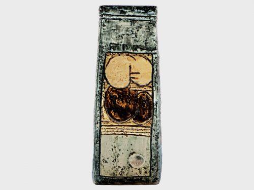 Cumulus Coffin Vase