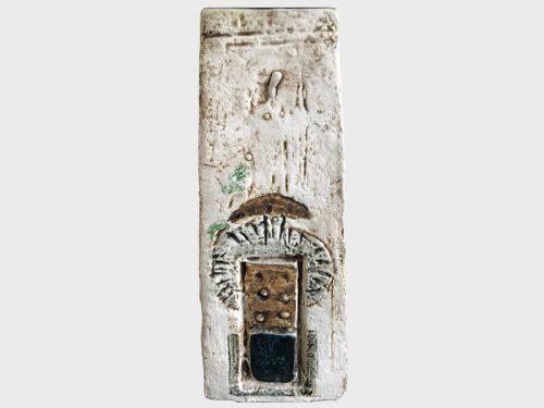 Domino Coffin Vase